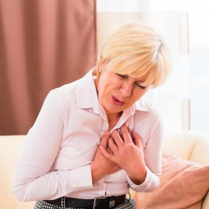 Prevention of heart failure risk factors in midlife may prolong disease-free survival