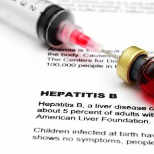 Antiviral therapy lowers cirrhosis risk in noncirrhotic HBV patients