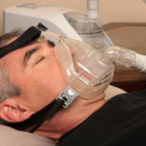 CPAP for sleep apnoea does not enhance asthma control, but improves daytime sleepiness, QoL
