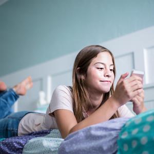 Children's weekend screen habits affect BMI in adolescence