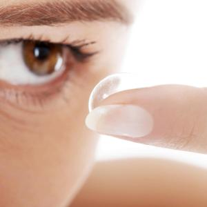 Wearing contact lenses does not affect biometry results