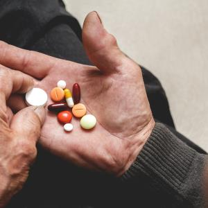 Study highlights need for appropriate medication discontinuation in hospice care