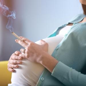 Maternal smoking ups risk of short stature, obesity in adult daughters