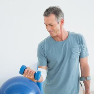 Adherence to healthy lifestyle at mid-life extends life expectancy free of chronic diseases
