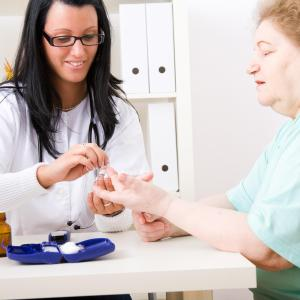 Nonobese postmenopausal women with diabetes at risk of kidney cancer