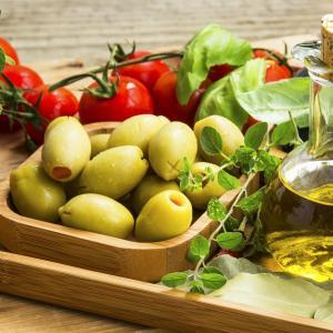 Mediterranean diet may lower SBP, enhance endothelial function