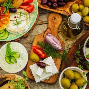 Mediterranean diet reduces CV risk in antihypertensive drug users