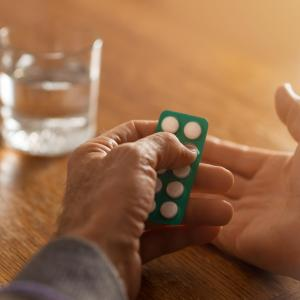 Use of oral anticoagulants associated with reduced risk of dementia