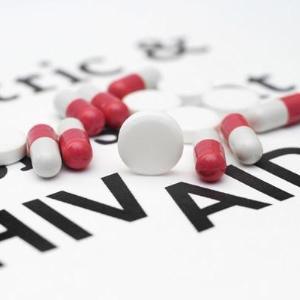 Triple superior to quadruple combination ART for treatment-naïve people with HIV