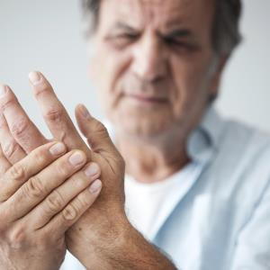 Low-dose prednisolone helps relieve pain in hand osteoarthritis
