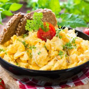 Substituting carbohydrates with protein/fat intake at breakfast helps prevent cognitive decline