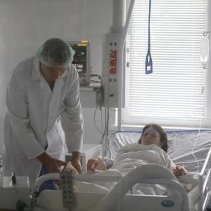 Excessive alcohol consumption magnifies death risk in ICU patients admitted for infections