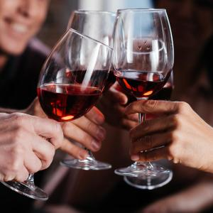 Moderate alcohol consumption lowers T2DM risk in NAFLD-free individuals