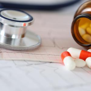 Duration of warfarin use may influence postoperative MACE