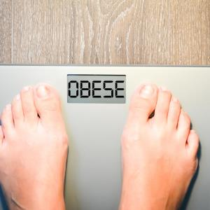 Obesity, excessive weight gain at midlife may take toll on cognition at later life