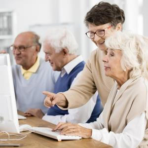 Computer use in mid- and late life reduces risk of mild cognitive impairment