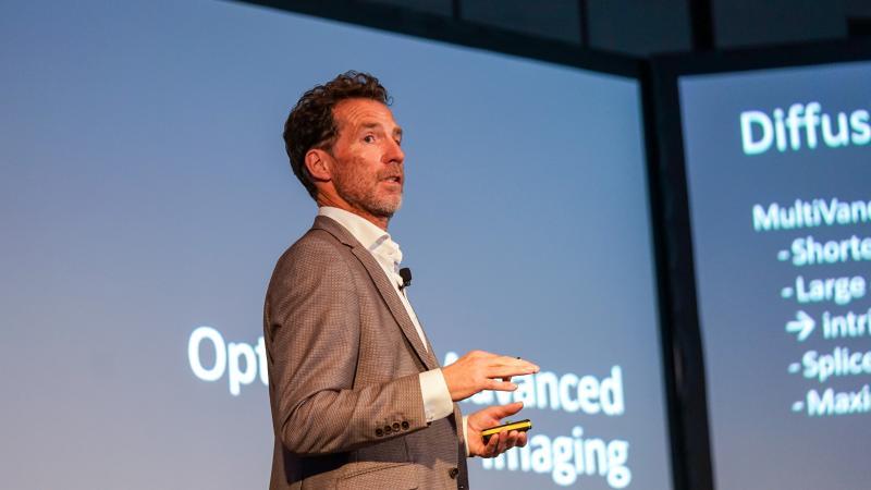 Dr Maarten Lequin